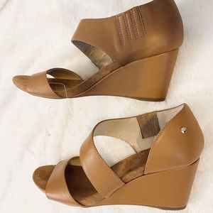 🌸 Jones NY signature suede brown wedges size 10